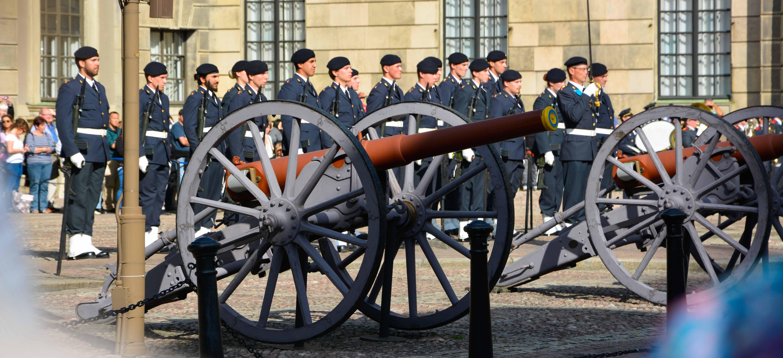 Wachablösung im königlichen Stadtschloss in Stockholm