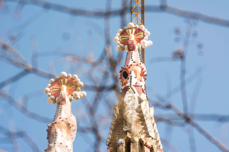 Auch die Türme der Sagrada Familia haben ein aufwändiges Mosaik