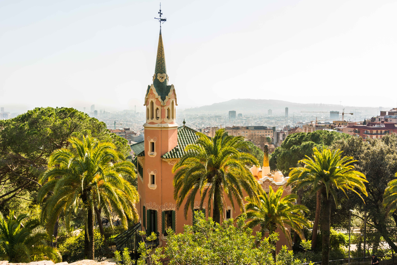 Im Parc Güell in Barcelona findet man viele Bauwerke Gaudís